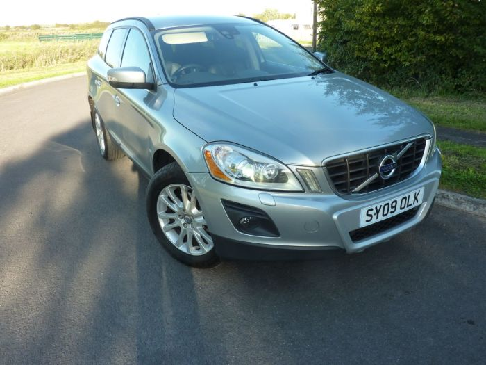 Volvo XC60 2.4 D5 SE Lux 5dr Geartronic Estate Diesel Silver