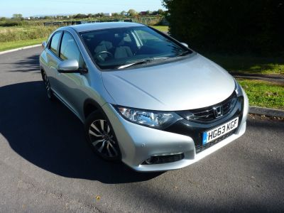 Honda Civic 1.6 i-DTEC SE Plus 5dr Hatchback Diesel SilverHonda Civic 1.6 i-DTEC SE Plus 5dr Hatchback Diesel Silver at Knightcott Motors Weston-Super-Mare