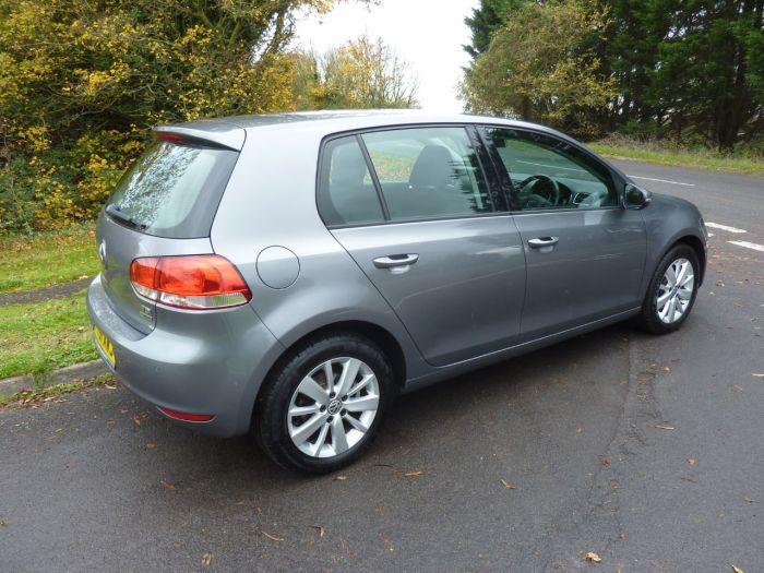 Volkswagen Golf 1.6 TDi 105 BlueMotion Tech Match 5dr DSG Hatchback Diesel Grey